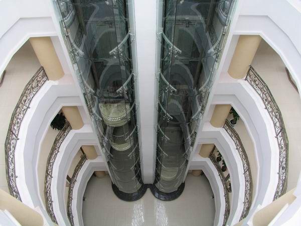 观光电梯玻璃井道